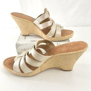 BORN Woven Wedge Platform Slip On Sandals Sz 10/42
